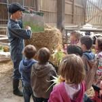 eleveuse et enfants explication herbe-foin