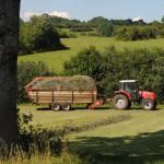 Tracteur matériel foin prairie