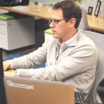 ordinateur homme informatique