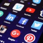 Pictos de Réseaux sociaux sur téléphone portable