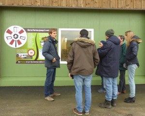 Le groupe Sciences et EDD de l'Eure visite la Ferme laitière des peupliers