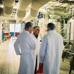 3 Ingénieurs, usine, discussion